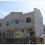архитектурные элементы на фасаде