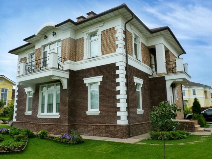 """Старинный фасад в """"дворцовом"""" стиле: cовременная лепнина"""