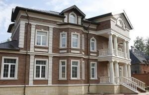 архитектурные детали фасада здания