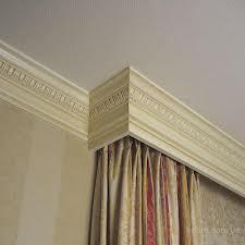 Плинтуса для потолка из пенопласта.