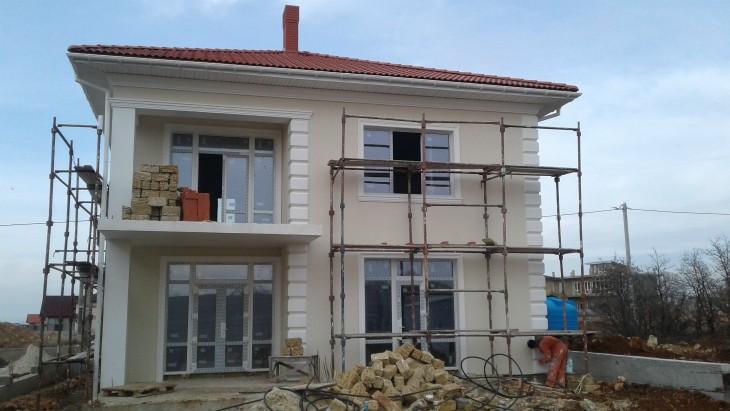 Севастополь Сдержанный стиль украшения фасада Ничего лишнего!