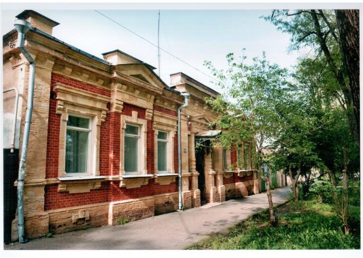 Лепнина на старинных зданиях в Ставрополе