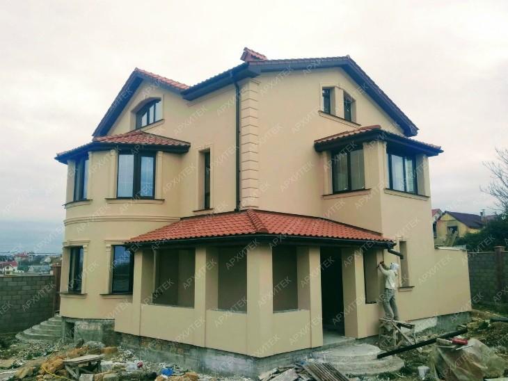 Плюс один Красивый дом в Севастополе