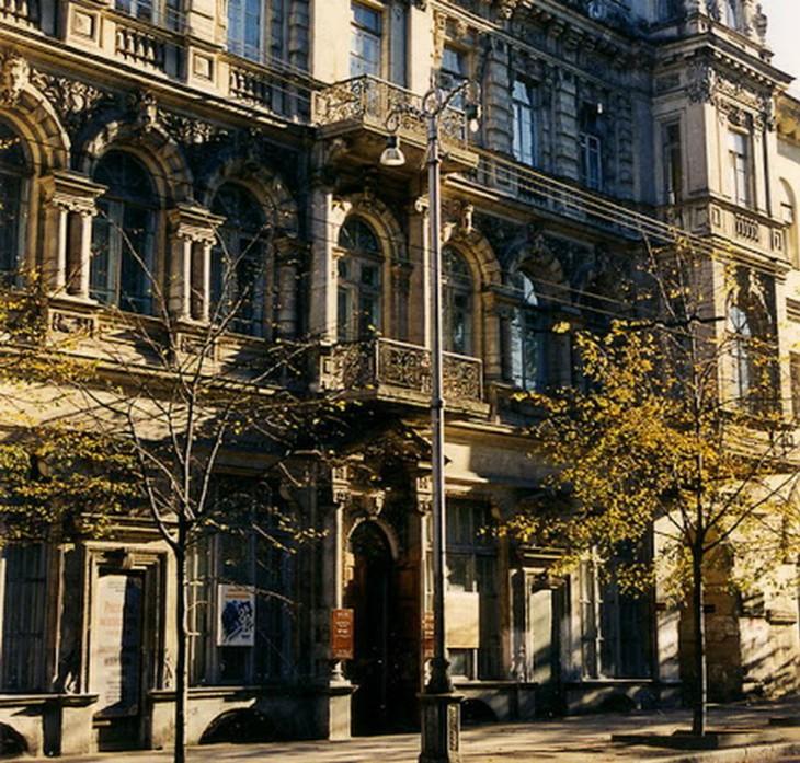 Декоративные элементы фасада в Севастополе: Какие здания входят в топ самых красивых зданий Севастополя?