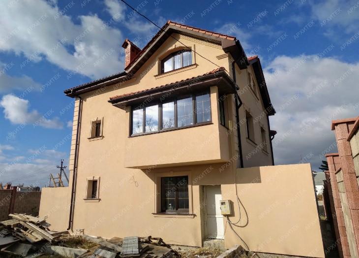 Закончен монтаж фасадной архитектуры