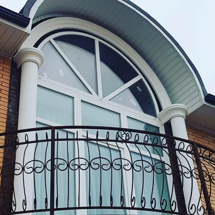 Один из наиболее популярных элементов декоративного оформления фасада - колонна Дом в Краснодаре