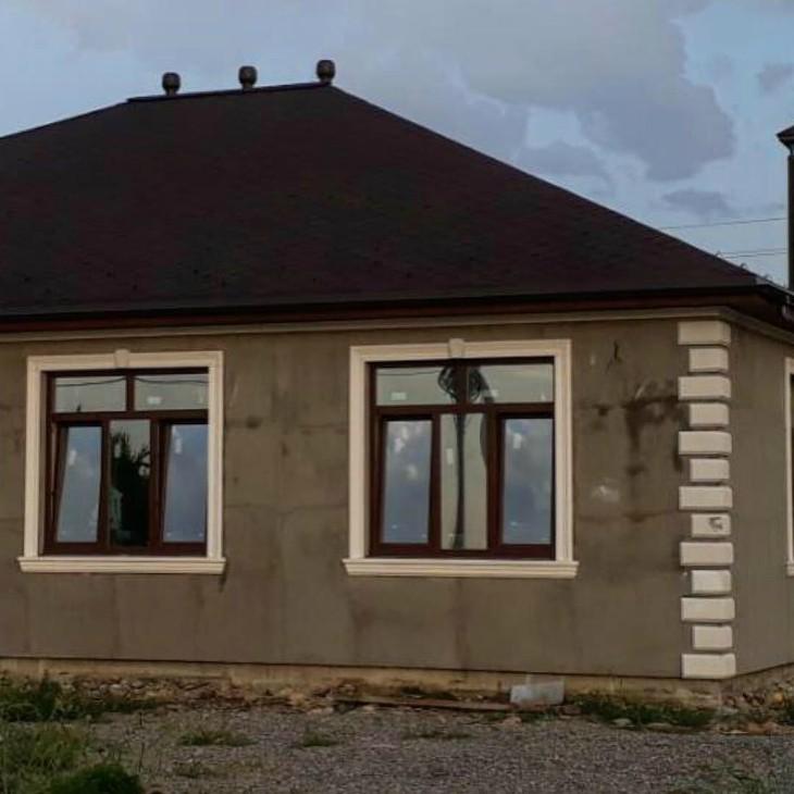 Склад готовых элементов фасадного декора пополняется