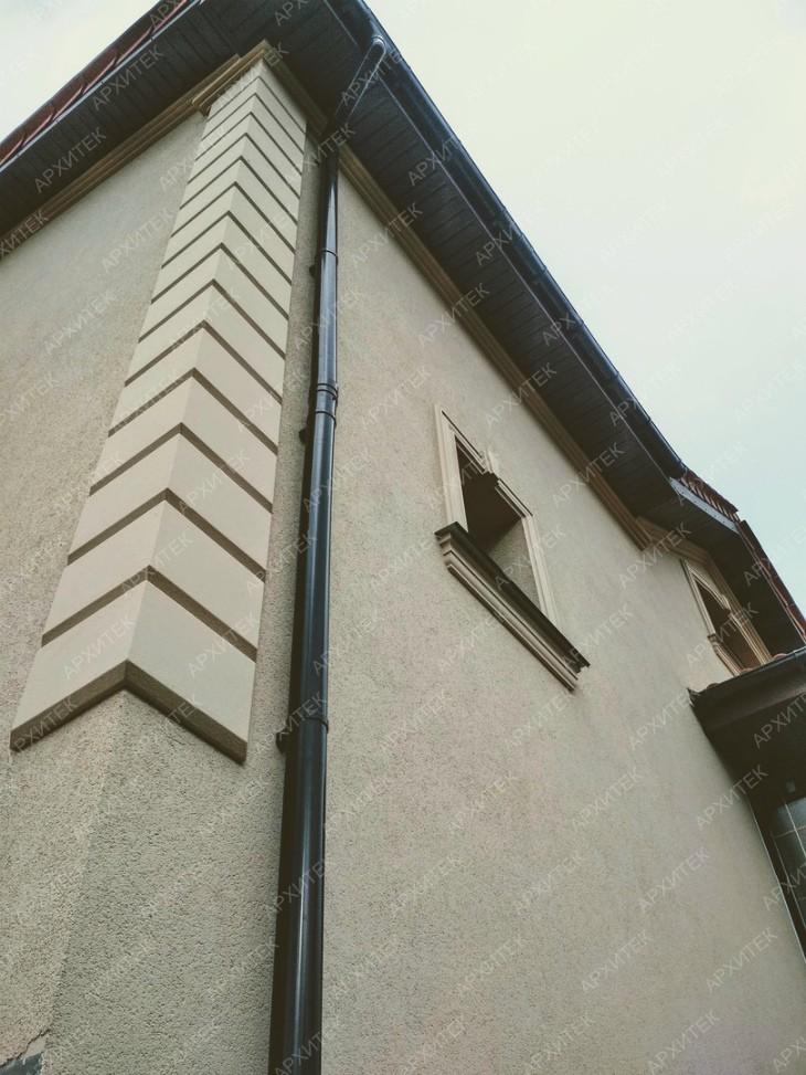 Русты на углах домы