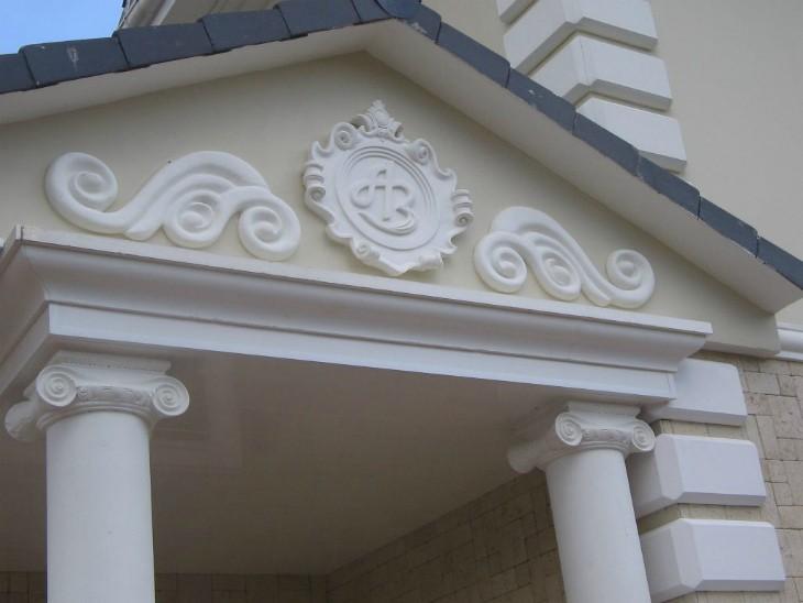 Объёмный фасад или пенопластовая лепнина для декора фасада