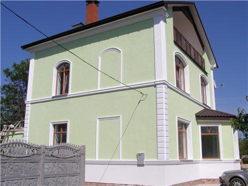 Карниз на фасаде – это стильно и практично