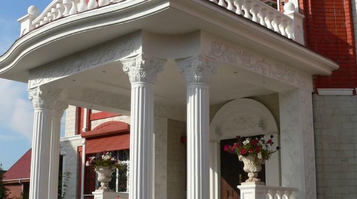 Современный декор фасада зданий в Москве и Московской области: Роскошные усадьбы и общественные здания с современной лепниной